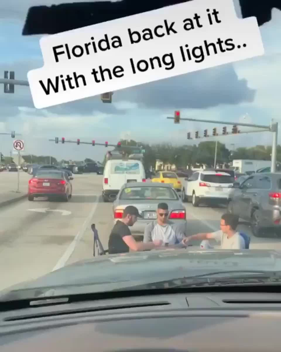 ⁣wait for the light signal in Florida