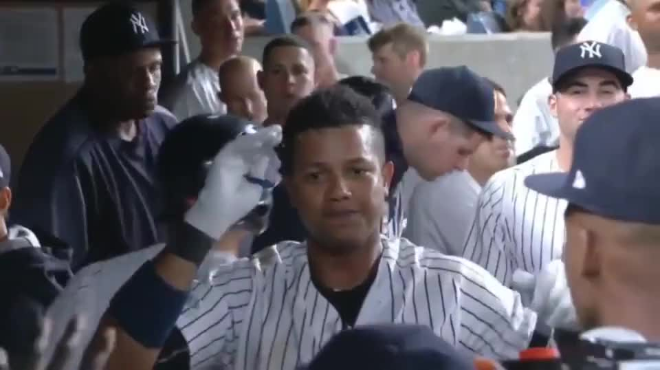 ⁣Yankee players pretend to have an interview after a home run